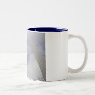 Taza de café del arco de Missouri