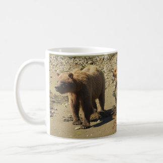 Taza de café del arte de la fauna de los osos