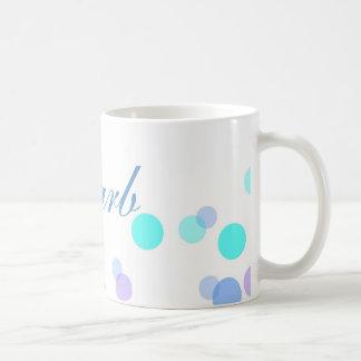 Taza de café del azul y del trullo con nombre