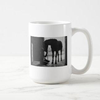 Taza de café del caballo del mascota