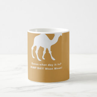 Taza de café del camello del día de chepa