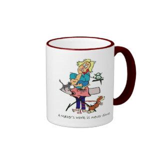 Taza de café del campanero del trabajo de la madre