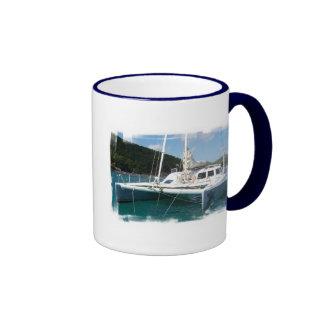Taza de café del catamarán