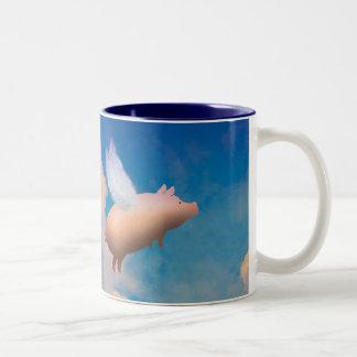 taza de café del cerdo del vuelo