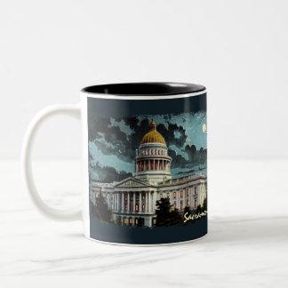 Taza de café del claro de luna del capitolio del