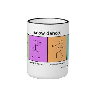 Taza de café del día de la nieve de la danza de la