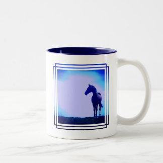 Taza de café del diseño de la silueta del caballo