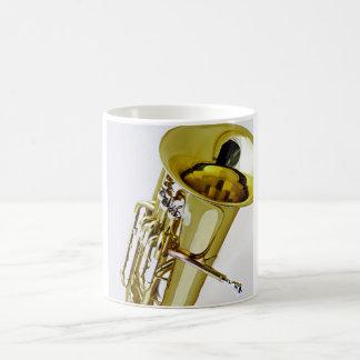Taza de café del Euphonium o del barítono