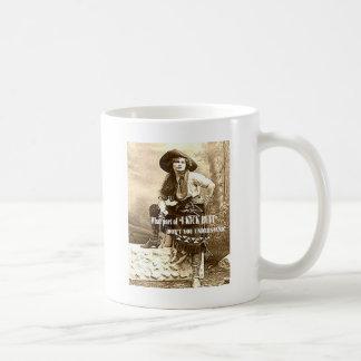 Taza de café del EXTREMO de la vaquera con el pie