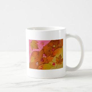 Taza de café del follaje del otoño