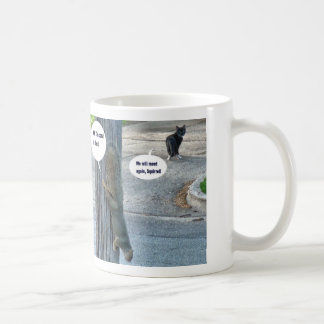 Taza de café del gato y de la ardilla