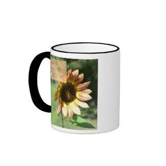 Taza de café del girasol de la amabilidad de la di