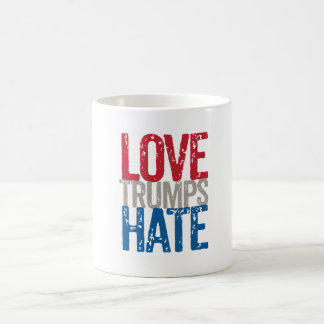 Taza de café del odio de los triunfos del amor