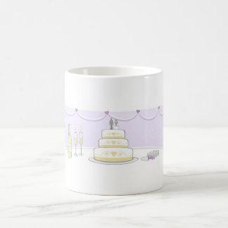 Taza de café del pastel de bodas