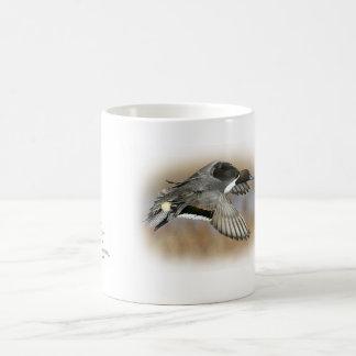 taza de café del pato rojizo de la caza del pato