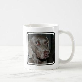 Taza de café del perro de Weimaraner
