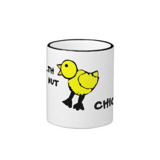 Taza de café del polluelo de la nuez de la salud