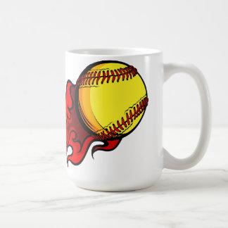Taza de café del softball el flamear Fastpitch
