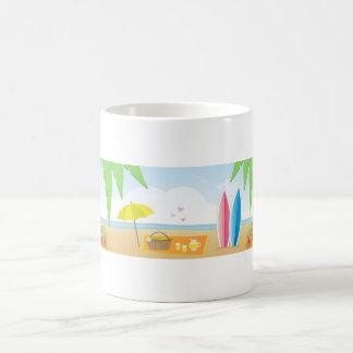 Taza de café del tema de la playa