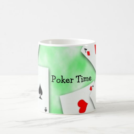 Taza de café del tiempo del póker