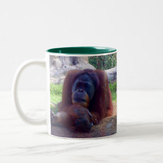 Taza de café del tono del orangután dos