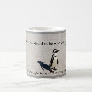 Taza de café del valor del pingüino