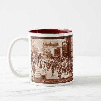 Taza de café del vintage del desfile de Virginia