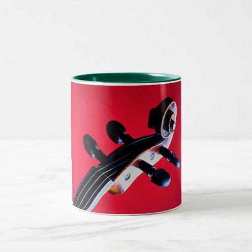 Taza de café del violín o de la voluta de la viola