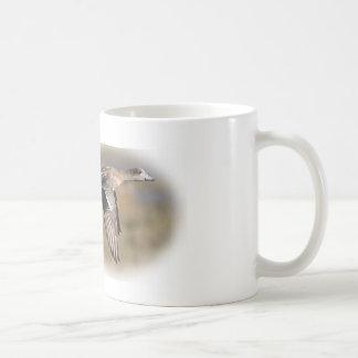 Taza de café del wigeon de la caza del pato