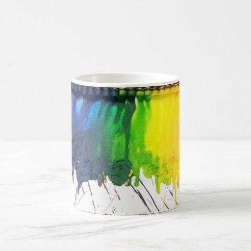 Taza de café derretida arco iris del artista del