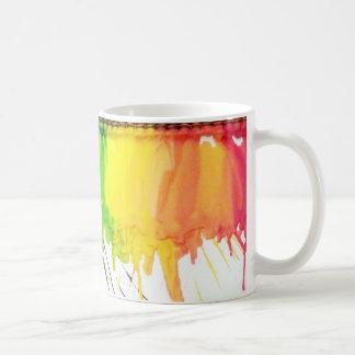 Taza de café derretida arco iris del artista del a