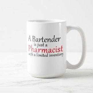 Taza de café divertida de la cita del farmacéutico