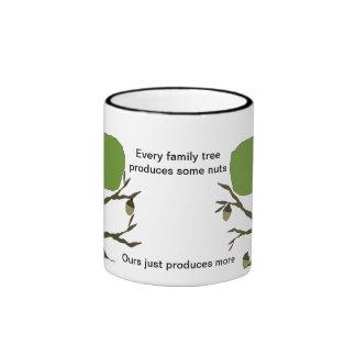 Taza de café divertida del árbol de familia