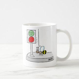 Taza de café divertida del dibujo animado de la