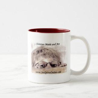 Taza de café en línea del logotipo de Joe Quinn