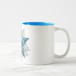 Taza de café escarchada de la estancia (interior a