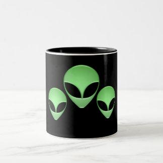 Taza de café extranjera del trío