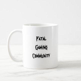 Taza de café fatal del centro del juego