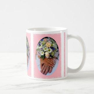 Taza de café feliz casada