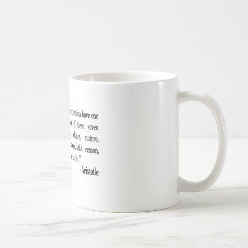 Taza de café filosófica de la cita de Aristóteles