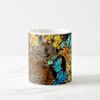 Taza de café fina de la sección del meteorito de N