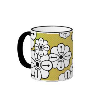 Taza de café floral enrrollada