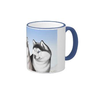 Taza de café fornida de los perros de trineo