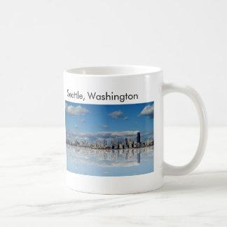 Taza de café futurista del horizonte de Seattle