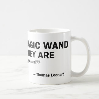 Taza de café - gente que espera un mágico…