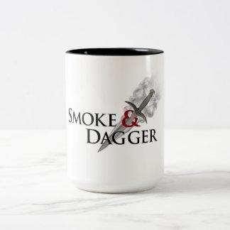 Taza de café grande del humo 15oz y de la daga