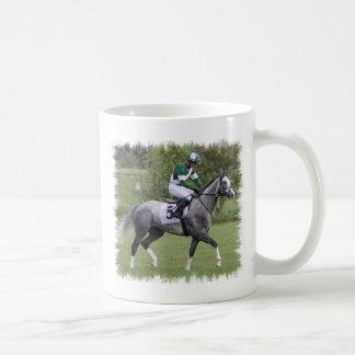 Taza de café gris Dappled del caballo de raza