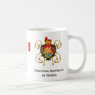 Taza de café histórica de la república de Venecia