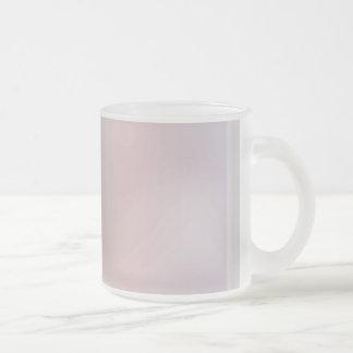 Taza de café inusual de las rayas