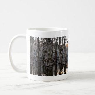 Taza de café - lago sunset002 Caddo